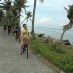 bersepeda di pulau tidung